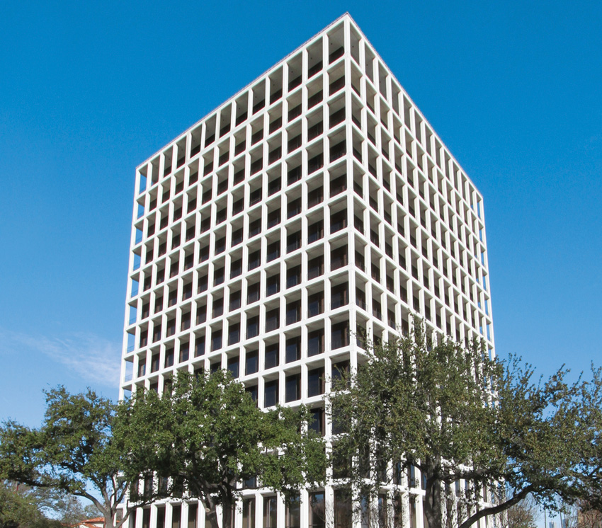 Alex completed a 1,683-sq.-ft. office lease for Capital Sand Proppants in the River Oaks Bank Building at 2001 Kirby.